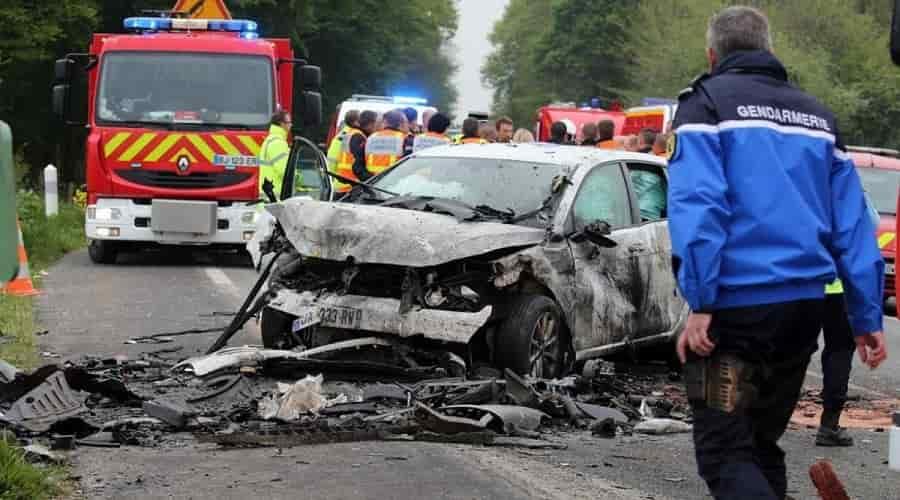 Après avoir vu une araignée, une femme perd le contrôle de sa voiture