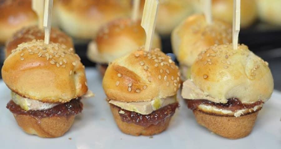 Recette facile: Mini-burgers de Noël au foie gras et figue