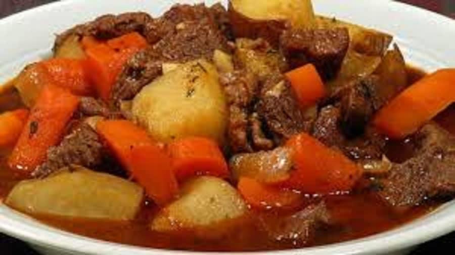 Ça vous tente une bonne recette de grand-mère ? Alors essayez ce ragoût de bœuf !