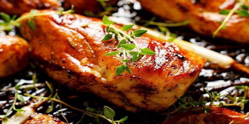 Délicieuse marinade pour le poulet qui se prépare en un clin d'oeil.