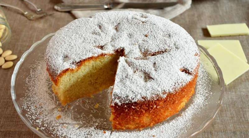 Gâteau au chocolat blanc et aux amandes