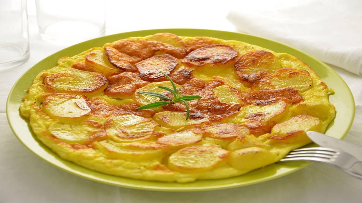 Omelette aux pommes de terre au parmesan