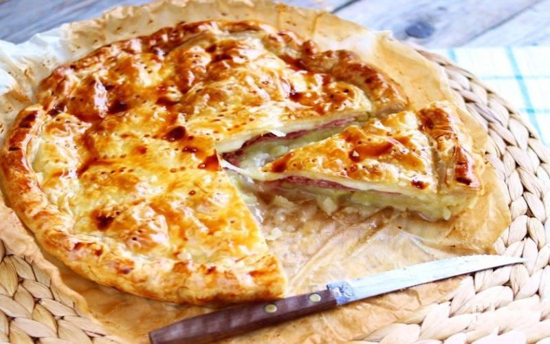 La pâte feuilletée rustique aux pommes de terre