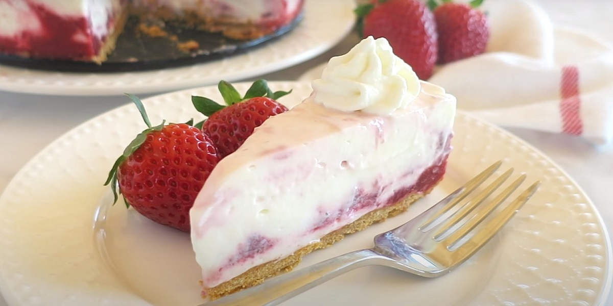 Gâteau au tourbillon de fraises