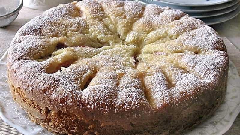 Gâteau moelleux aux pêches fraîches