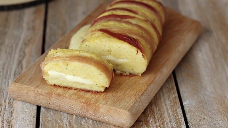 Pain de viande de pommes de terre farci au fromage