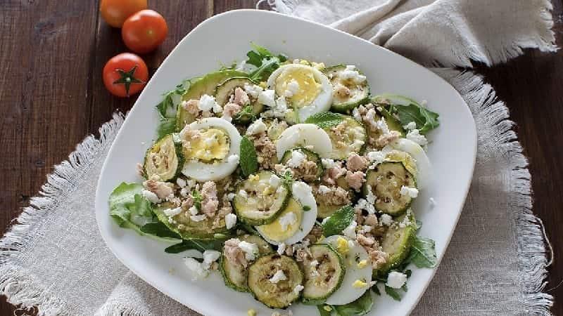 Salade aux courgettes grillées