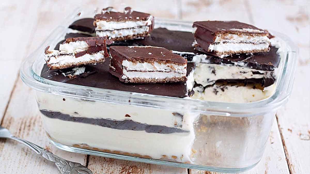 Gâteau doux sans cuisson au chocolat