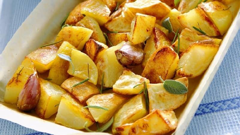Pommes de terre croustillantes cuites au four