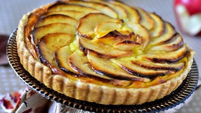 Tarte aux pommes a la crème pâtissière