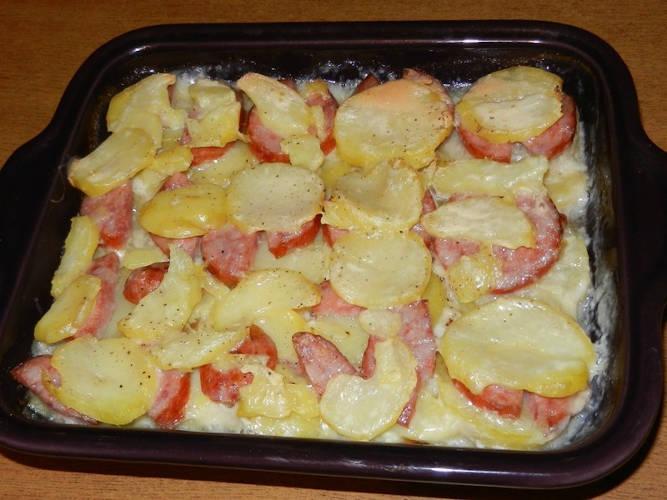 Pommes de terres à la saucisse