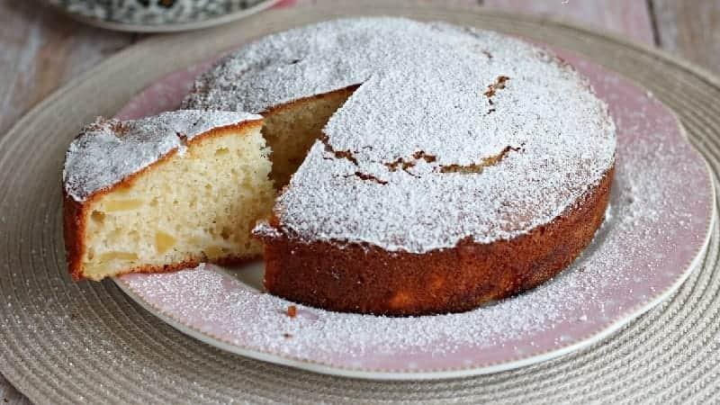Gâteau très moelleux aux pommes et yaourt