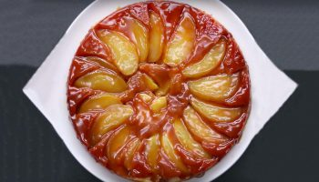 Tarte aux pommes renversée au caramel
