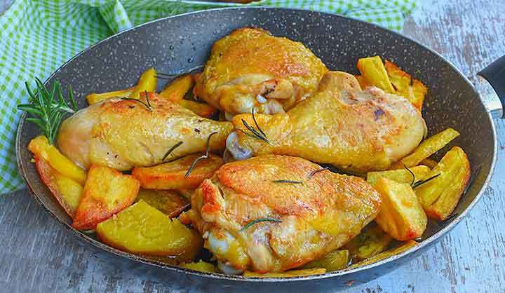 Cuisses de poulet aux pommes de terre croustillantes
