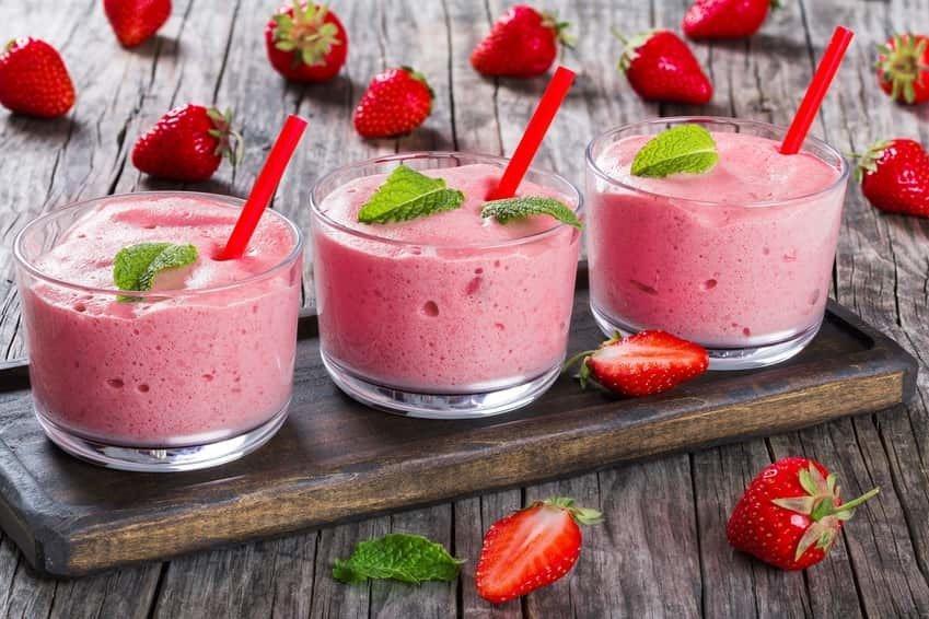 Duo de mousse et gelée aux fraises et à la menthe